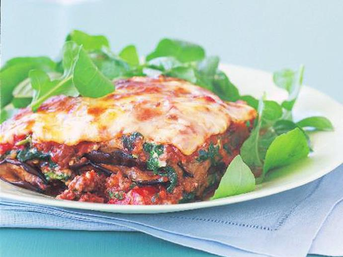 "For a great low-carb version of lasagne, this hearty and [delicious eggplant bolognese](https://www.womensweeklyfood.com.au/recipes/eggplant-bolognese-bake-15229|target=""_blank"") is perfect. It's a great all in one meat and three veg dish that will have the hungry hoards flocking to the dinner table."