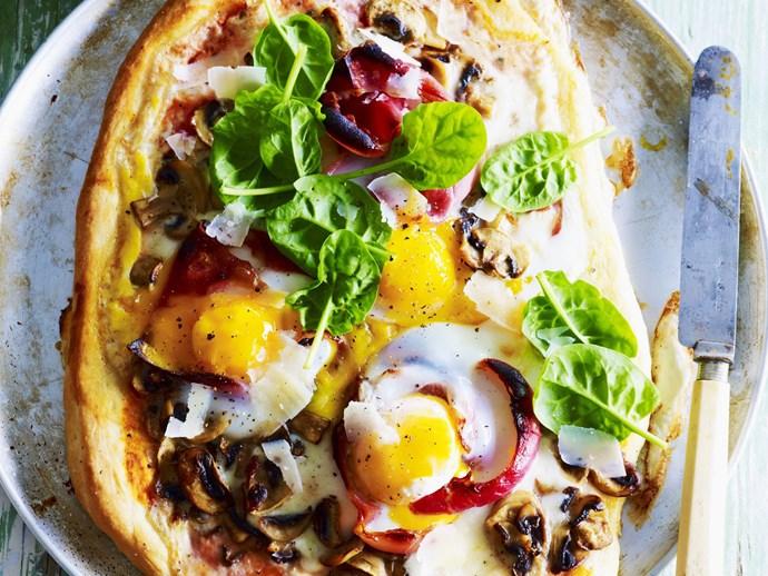 breakfast egg, mushroom and prosciutto pizzas