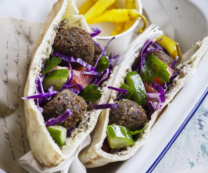felafel and cabbage salad pockets