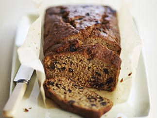 Wholemeal banana and prune bread
