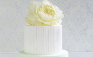 divine white silk  Rose Cake