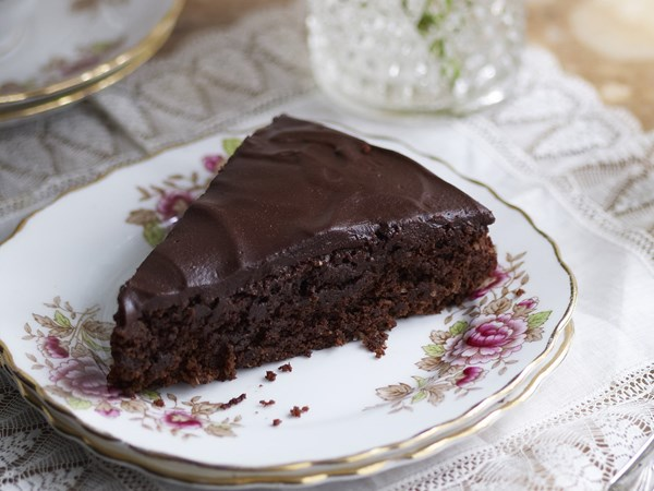 Moist Chocolate And Coconut Cake Recipe