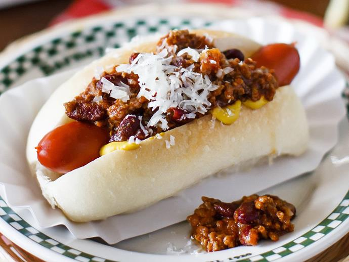 """[Chilli dogs recipe.](http://www.foodtolove.com.au/recipes/chilli-dogs-30600 target=""""_blank"""")"""