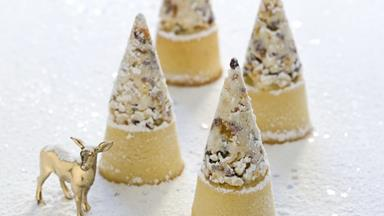 White christmas mud cakes