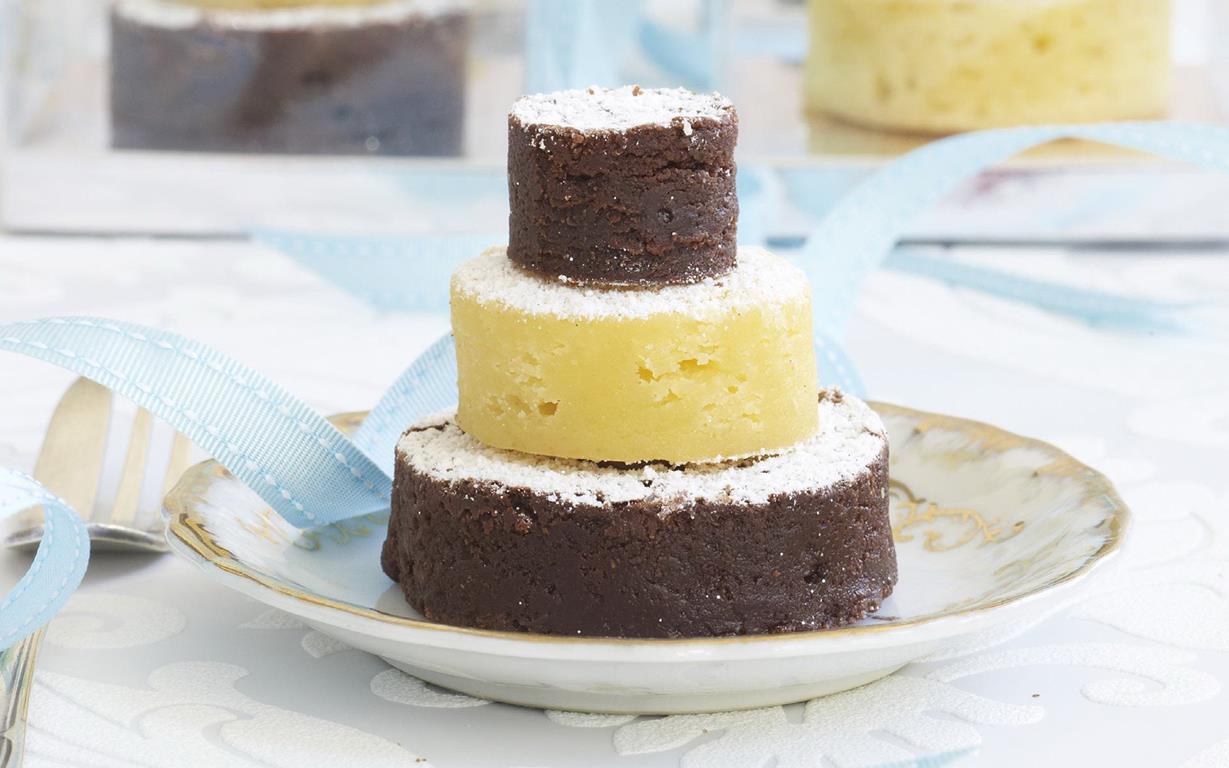 Brownie Blon Mini Wedding Cakes