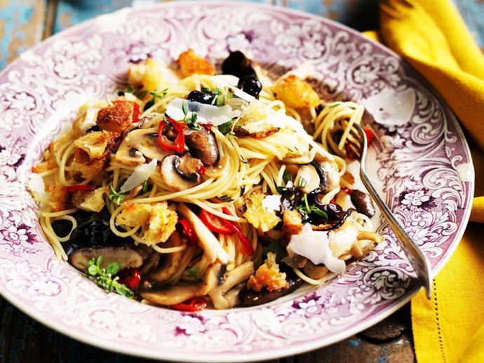 "**[Spaghetti with mushrooms and breadcrumbs](https://www.womensweeklyfood.com.au/recipes/spaghetti-with-mushrooms-and-breadcrumbs-3207|target=""_blank"")**"