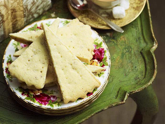 "**[Macadamia and pecan shortbread](https://www.womensweeklyfood.com.au/recipes/macadamia-and-pecan-shortbread-3208|target=""_blank"")**"
