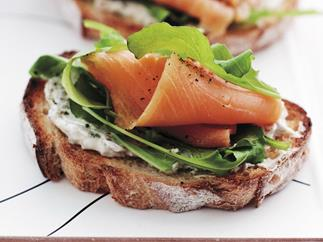 Bruschetta with smoked salmon, cream cheese and rocket