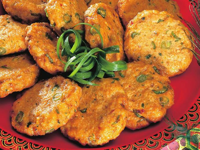 "**[Red curry fish cakes](https://www.womensweeklyfood.com.au/recipes/red-curry-fish-cakes-3016|target=""_blank"")**"