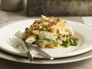 baked penne with peas, mushroom and leek