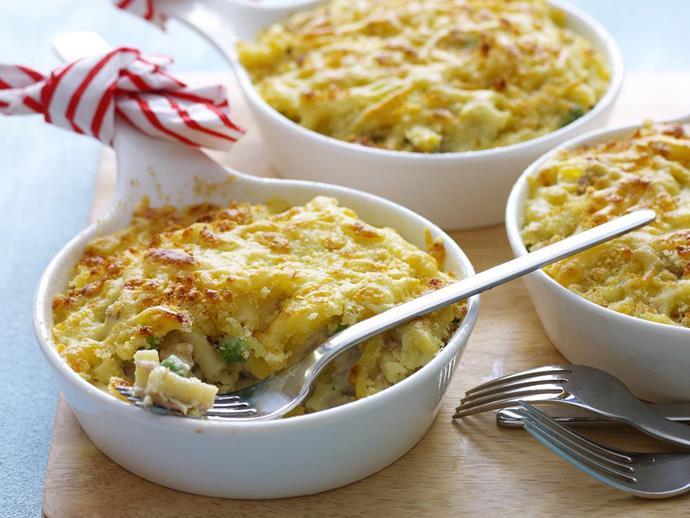 "**[Macaroni tuna bake](https://www.womensweeklyfood.com.au/recipes/macaroni-tuna-bake-6159|target=""_blank"")**"