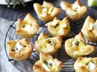 Caramelised leek and brie tartlets