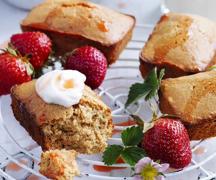 lemon cakes with roasted strawberries