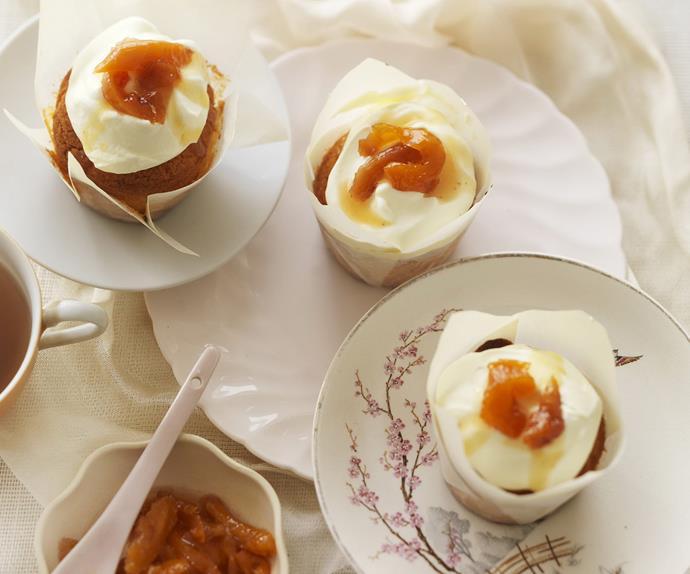peaches & cream cupcakes