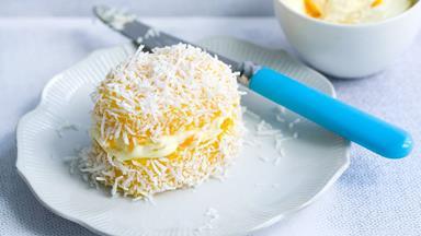 Mango and coconut jelly cakes