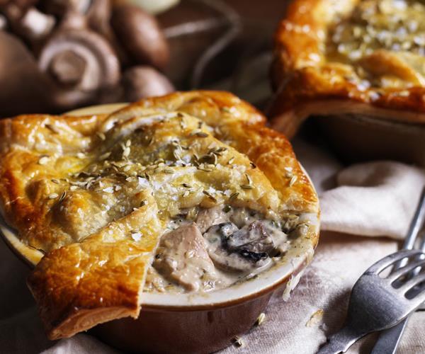 Creamy Chicken Mushroom Amp Fennel Pie Recipe Food To Love