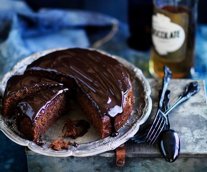 Espresso date cake WITH CHOCOLATE GLAZE