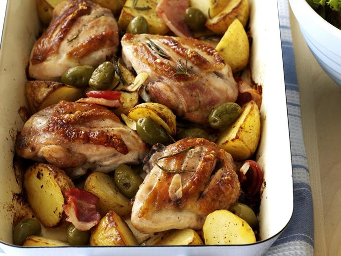 "**[Roast chicken with garlic potatoes, olives and rosemary](https://www.womensweeklyfood.com.au/recipes/chicken-with-garlic-potatoes-and-rosemary-13778|target=""_blank"")**"