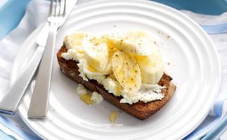 banana and ricotta on toast