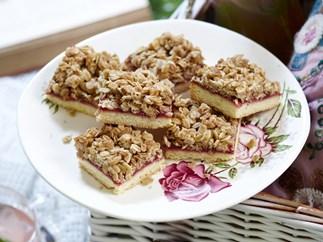 rhubarb crumble squares