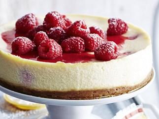 RASPBERRY RICOTTA CHEESE CAKE WITH AMARETTI CRUST