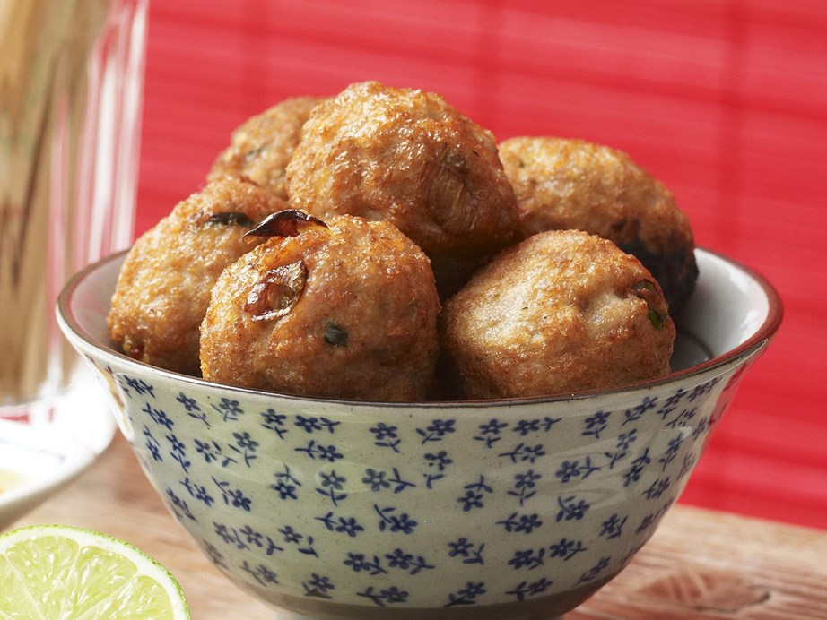 "**[Pork balls with soy and lime dipping sauce](https://www.womensweeklyfood.com.au/recipes/pork-balls-with-soy-and-lime-dipping-sauce-13603|target=""_blank"")** <br><br> Exciting Asian-style nibbles, these pork balls with a soy and lime dipping sauce are perfect for cocktail parties."