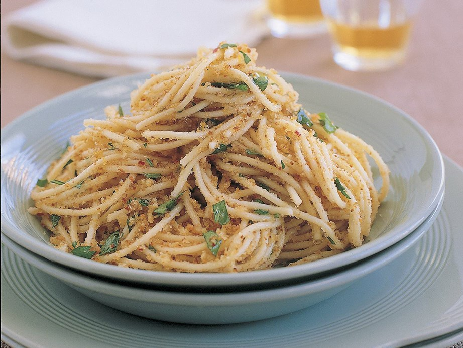 """**[Chilli and garlic spaghettini with breadcrumbs](https://www.womensweeklyfood.com.au/recipes/chilli-and-garlic-spaghettini-with-breadcrumbs-15455
