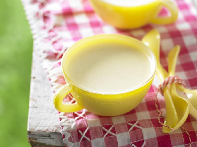 "**[Lemon panna cotta pots](https://www.womensweeklyfood.com.au/recipes/lemon-panna-cotta-pots-5388|target=""_blank"")**"