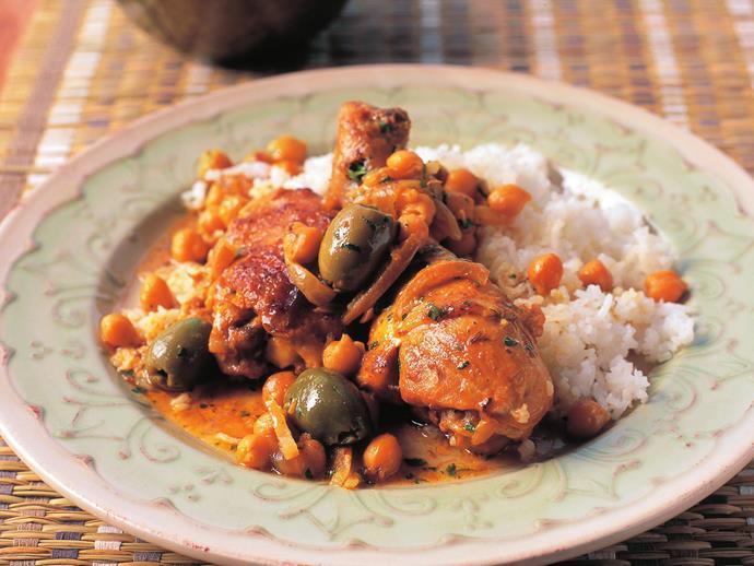 "**[Chicken, olive and lemon tagine](https://www.womensweeklyfood.com.au/recipes/chicken-olive-and-lemon-tagine-12946|target=""_blank"")**"