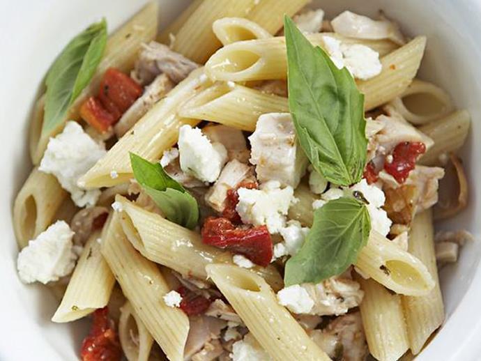 "**[Chicken pasta salad](https://www.womensweeklyfood.com.au/recipes/chicken-pasta-salad-12234|target=""_blank"")**"