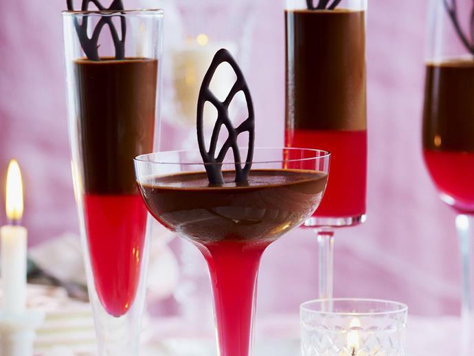 "**[Chocolate panna cotta with rhubarb jelly](https://www.womensweeklyfood.com.au/recipes/chocolate-panna-cotta-with-rhubarb-jelly-5097|target=""_blank"")**"