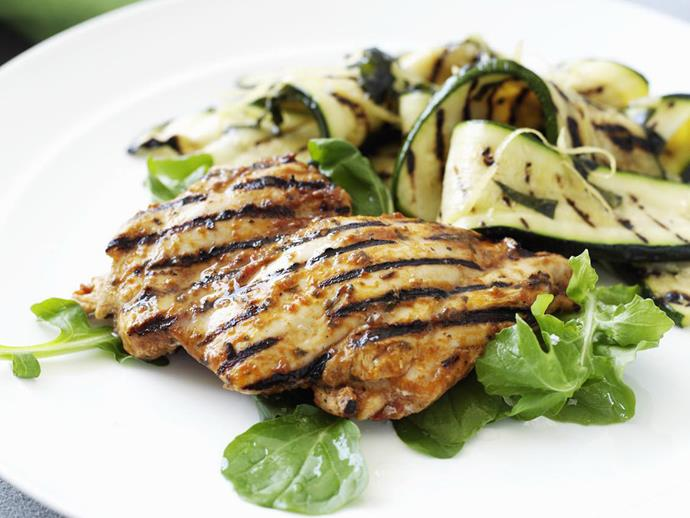 "**[Pesto chicken with zucchini](https://www.womensweeklyfood.com.au/recipes/pesto-chicken-with-zucchini-4895|target=""_blank"")**"