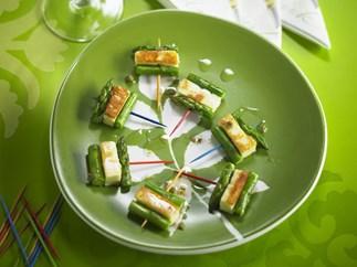 Haloumi and asparagus bites