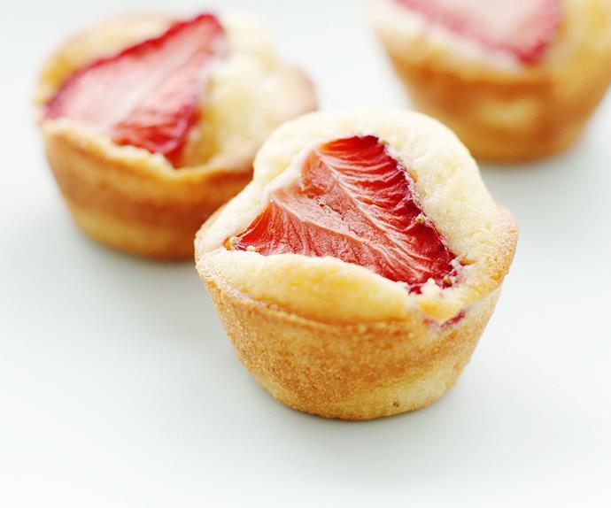 mini strawberry friands