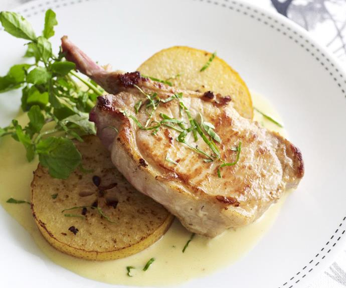 Pan-fried pork cutlets with nashi