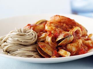 Marinara with buckwheat noodles