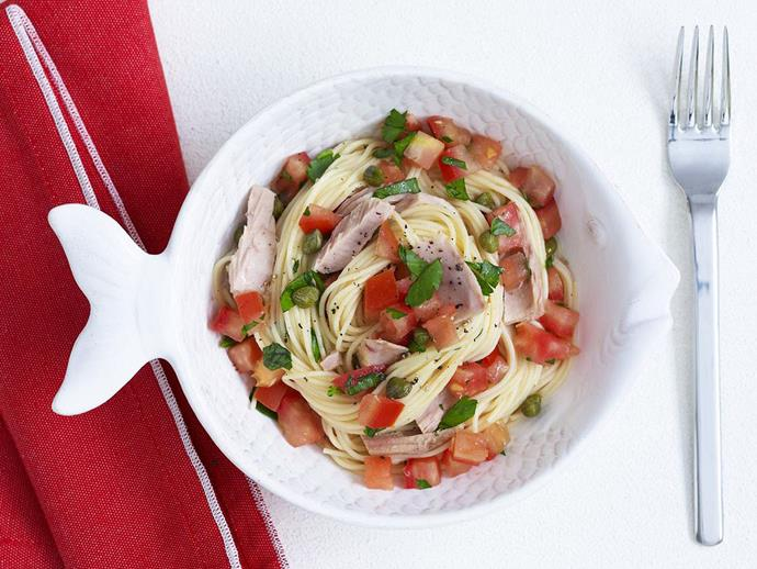 "**[Angel hair pasta with tomato, tuna and capers](https://www.womensweeklyfood.com.au/recipes/angel-hair-pasta-with-tomato-tuna-and-capers-15574|target=""_blank"")**  Angel hair pasta, also known as barbina, or ""capelli d'angelo"" in Italian, are long, delicate strands of spaghetti-like pasta. This tomato, tuna and capers angel hair pasta recipe is fresh and tasty."
