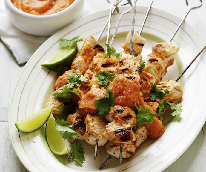 tomato and chipotle chilli chicken kebabs