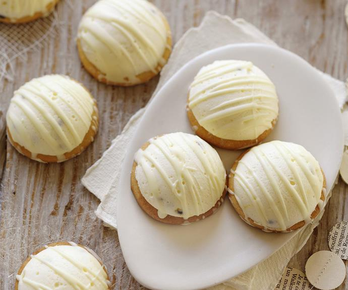 white chocolate & passionfruit marshmallow biscuits
