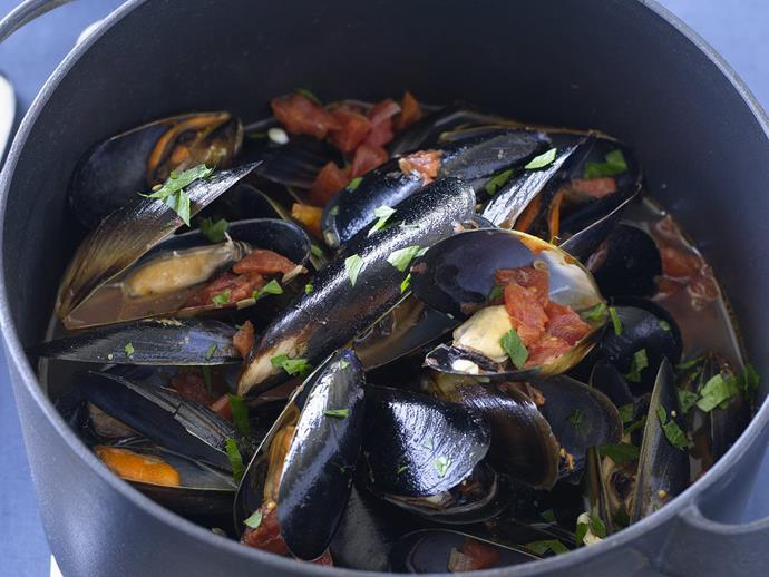 """**[Steamed mussels in tomato garlic broth](https://www.womensweeklyfood.com.au/recipes/steamed-mussels-in-tomato-garlic-broth-11229
