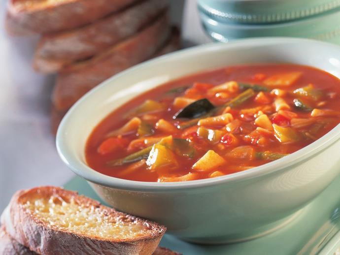 "**[Hearty minestrone with cheesy garlic bread](https://www.womensweeklyfood.com.au/recipes/hearty-minestrone-with-cheesy-garlic-bread-11472|target=""_blank"")**"