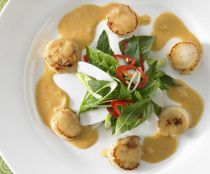 thai coconut scallops