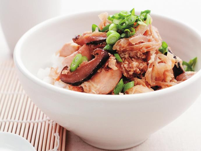 "**[Chicken donburi](https://www.womensweeklyfood.com.au/recipes/chicken-donburi-11009|target=""_blank"")**"