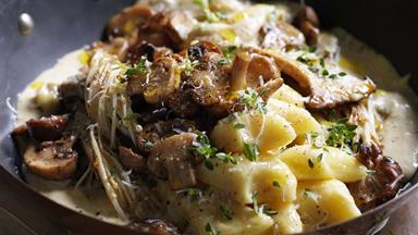 Potato gnocchi with mushrooms & thyme