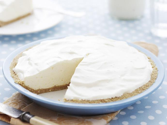 "**[Lemon chiffon pie](https://www.womensweeklyfood.com.au/recipes/lemon-chiffon-pie-11173|target=""_blank"")**"