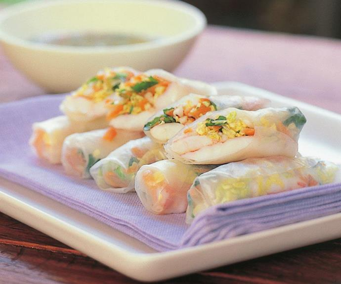 fresh rice paper rolls with prawns