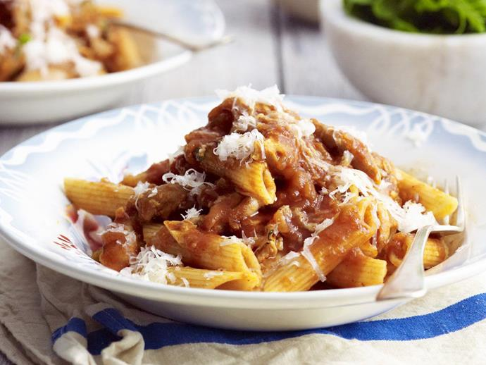 """**[Spicy reddened chicken with pasta](https://www.womensweeklyfood.com.au/recipes/spicy-reddened-chicken-with-pasta-4249 target=""""_blank"""")**"""