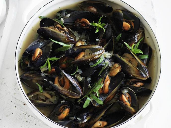"**[Tarragon mussels](https://www.womensweeklyfood.com.au/recipes/tarragon-mussels-10547|target=""_blank"")**"