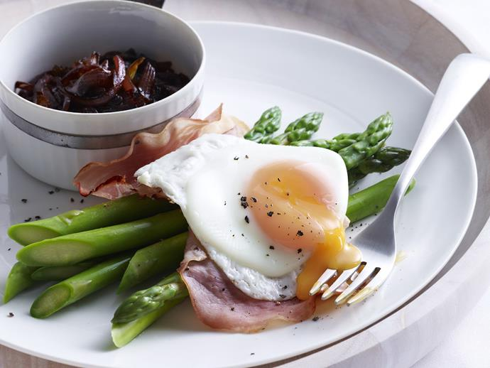 "**[Eggs with asparagus, grilled ham and onion jam](https://www.womensweeklyfood.com.au/recipes/eggs-with-asparagus-grilled-ham-and-onion-jam-10585|target=""_blank"")**"