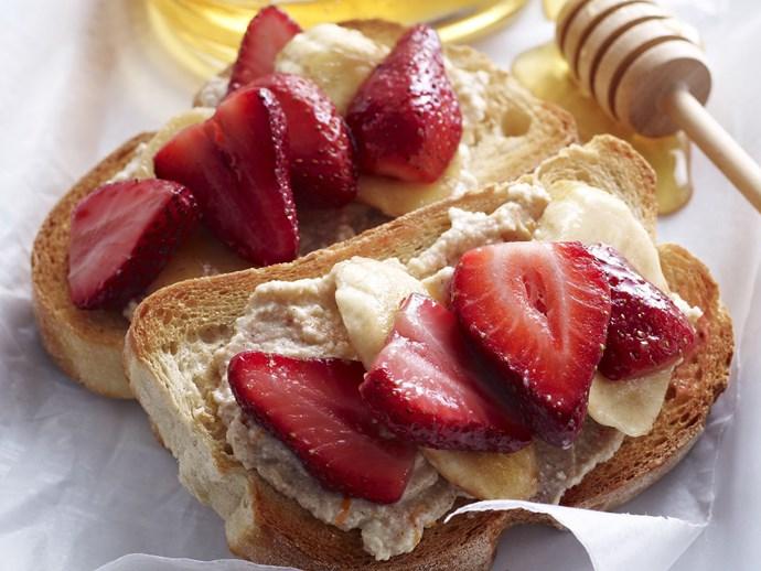 bruschetta with strawberry, banana and ricotta
